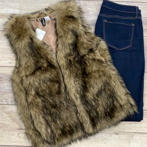 NWT DIVIDED Faux Fur Lined Brown Tan Open Vest US 6